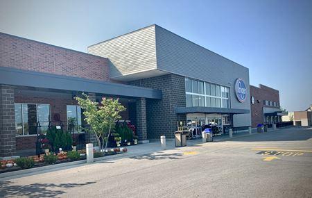 Maple Row Shopping Center - Hendersonville