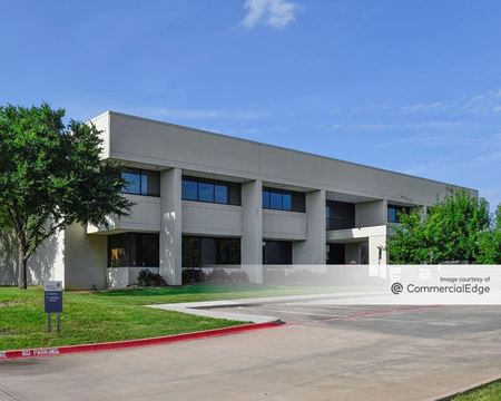 3021 West Bend Drive - Irving