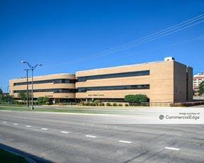 Plaza Medical Center - 1650 West Rosedale
