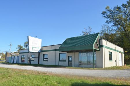 5,000 ± SF Mixed-Use Commercial Building - Erie
