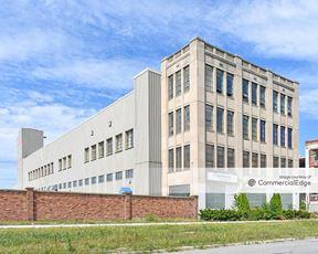 1600 East Grand Blvd - Detroit