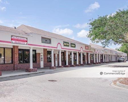 Shady Oaks Plaza - Palm Bay