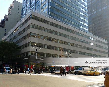 711 Third Avenue - New York