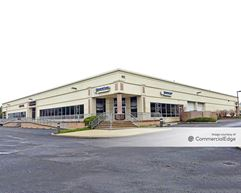 Oak Tree Business Center - South Plainfield
