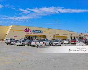Irving West Shopping Center