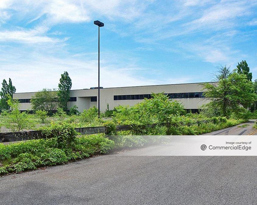 Hudson Valley Business Center - 901 Grant Avenue