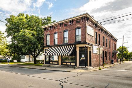 343 E High Street - Former Lexington Coffee Shop For Lease - Lexington
