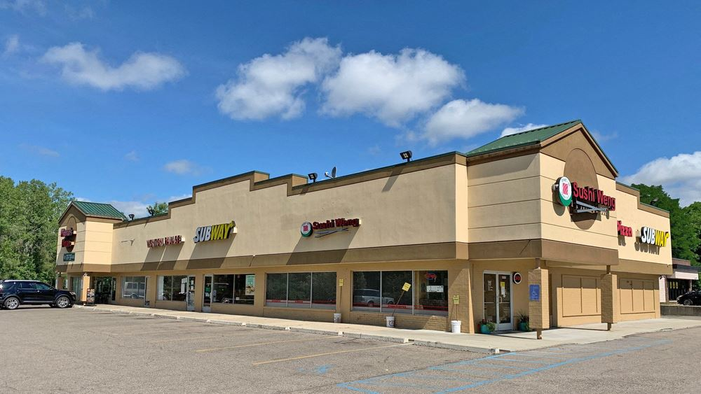 Lakeview Plaza