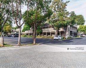 Warner Corporate Park