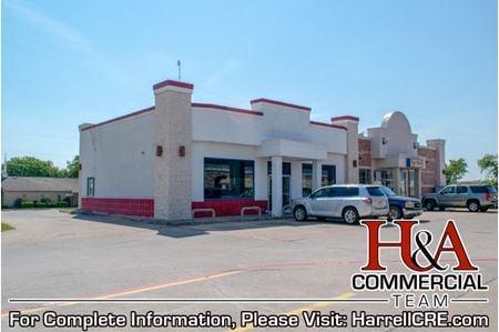 2,000+ SF Restaurant Off Interstate 35 - Elm Mott