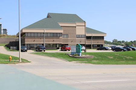 Singing Hills Business Center - Sioux City
