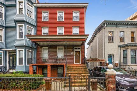 31 Orient Avenue - Brooklyn