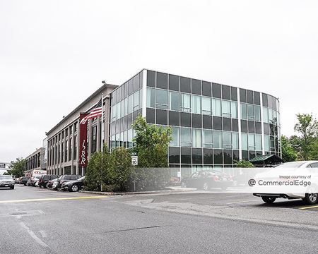 Cummings Center - 900 - Beverly