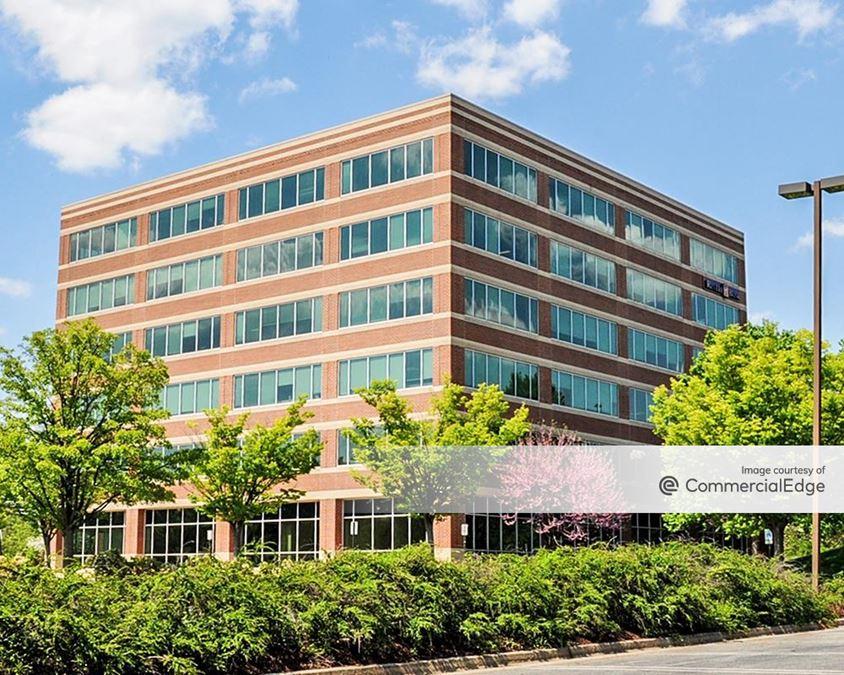 Quince Tree Executive Center - 820 West Diamond Avenue