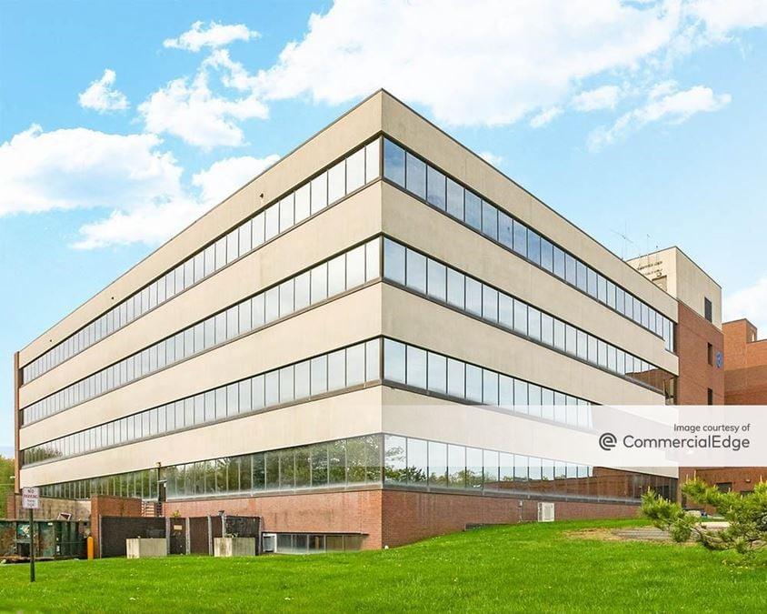 Raritan Bay Medical Center - Old Bridge Medical Arts Building