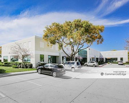 9830, 9840 & 9880 Summers Ridge Road - San Diego