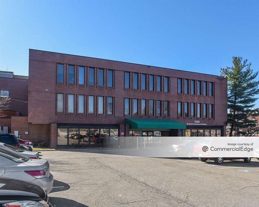 Trumbull Memorial Hospital - Medical Professional Building