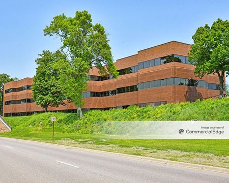 Minnetonka Corporate Center - 5101 Shady Oak Road - Minnetonka