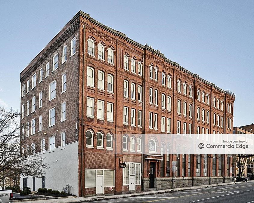 152 East High Street