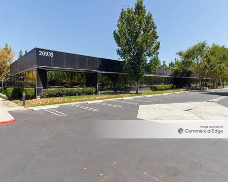 Warner Center Corporate Park - 20920, 20935, 20950 & 20970 Warner Center Lane - Woodland Hills