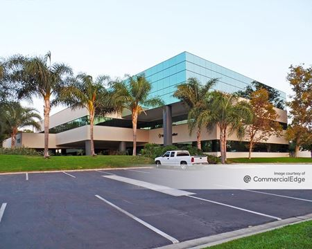 Heritage Corporate Center - Buildings 2, 3 & 19 - Santa Fe Springs