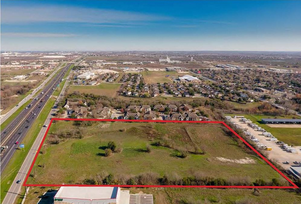 10.8 Acres in Kyle