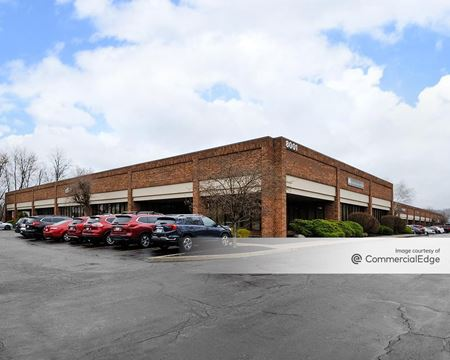 8001 Sweet Valley Pkwy - Cleveland