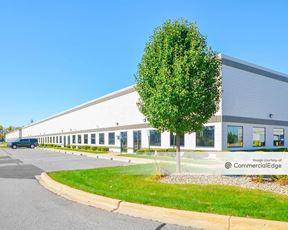 Detroit Metro Airport Center - 11301, 11401 & 11501 Metro Airport Center