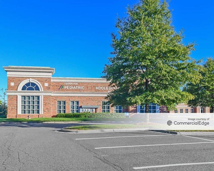 Mooresville Gateway - 114, 118, 122, 132, 136, & 140 Gateway Blvd