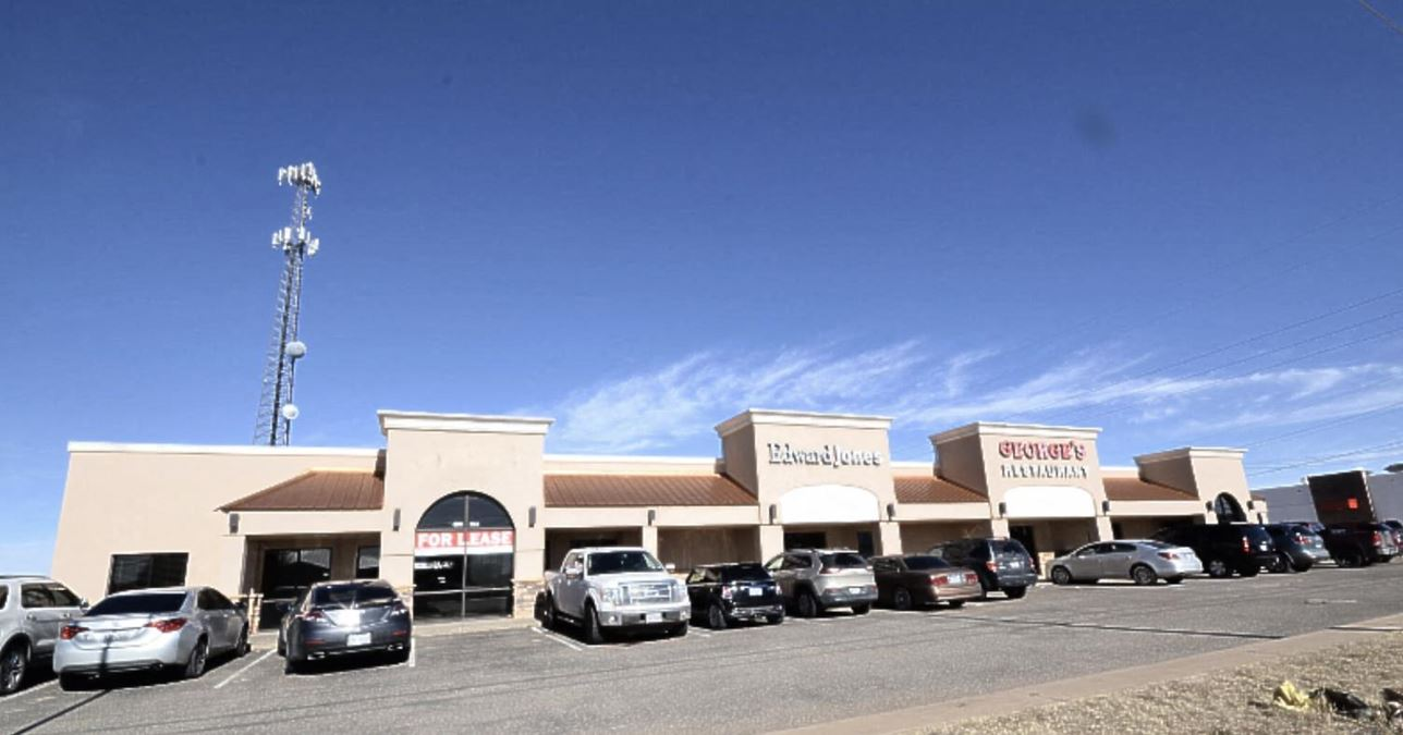 2,500 SF of Prime Retail/Office Space For Lease