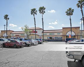 Plaza on Sixth Street - Superior Grocers
