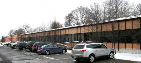 For Lease > Up to 20,199 SF Best Industrial Rate in Pontiac - Pontiac
