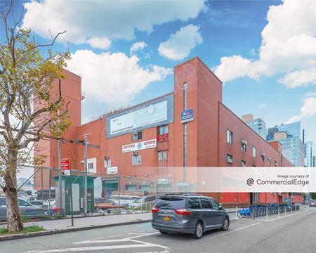 460-470 Kent Avenue & 1 Division Avenue - Brooklyn