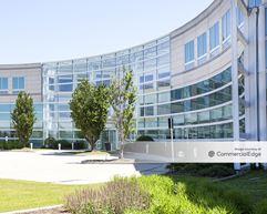 Bannockburn Corporate Center - Bannockburn