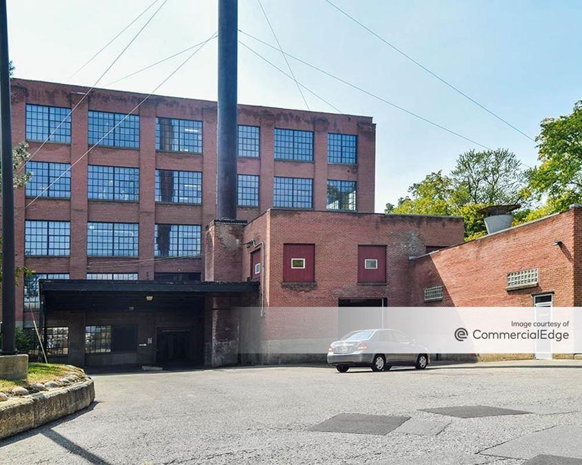401 Hall Street SW