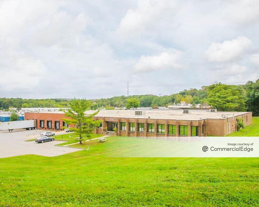 Cross Westchester Executive Park - 700 Executive Blvd
