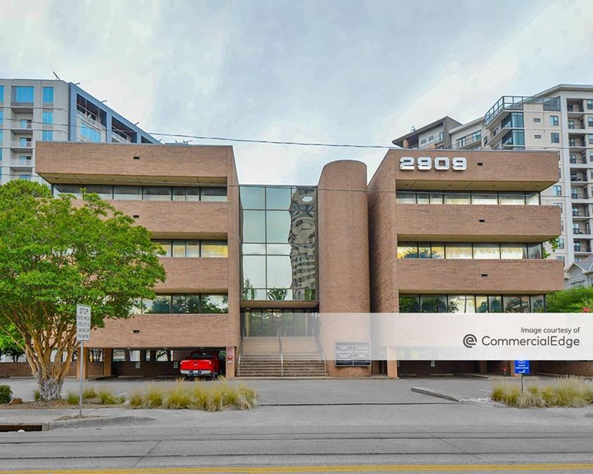2909 Cole Avenue
