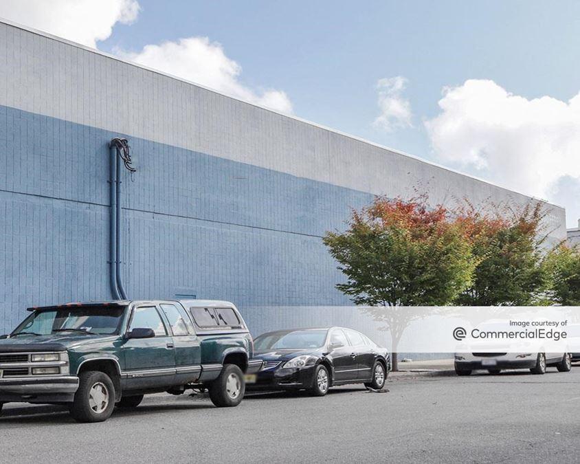 Newark Industrial Plaza