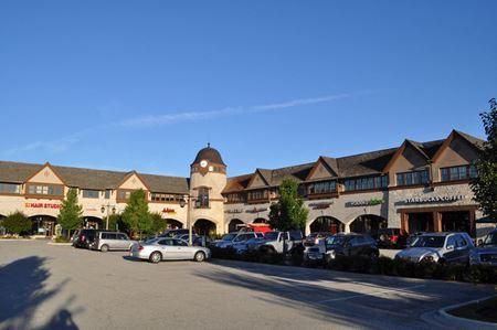 Forest Square - Lake Forest