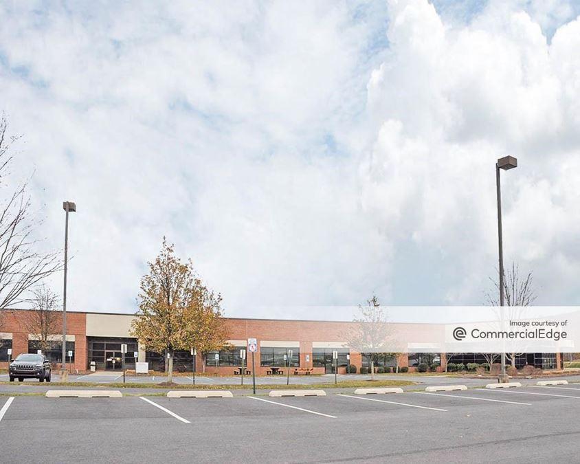 Glenmaura Corporate Center - Glenmaura Office Building