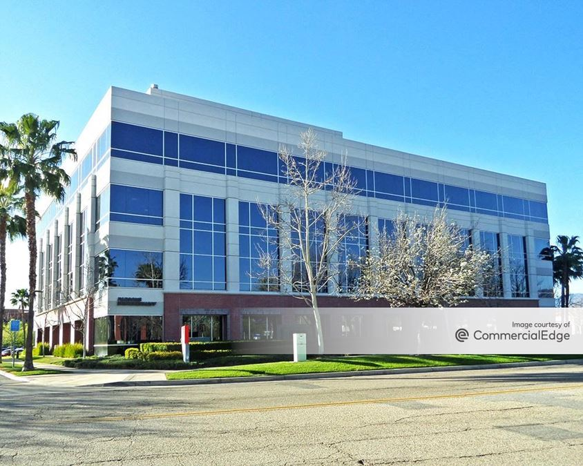Tri-City Corporate Centre - Vanderbilt Plaza