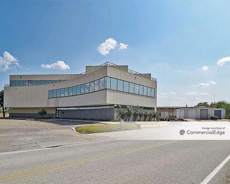 500 Winscott Road - Fort Worth