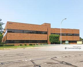 Vernier Office Center - Harper Woods