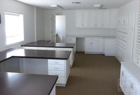 For Lease > 7609 SE Overland