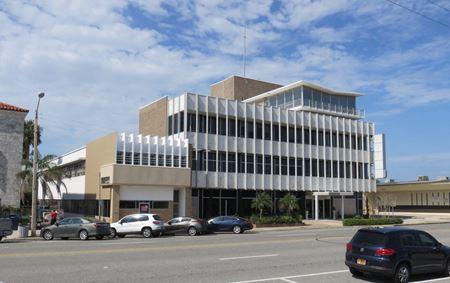 Freestanding Downtown Building - Daytona Beach