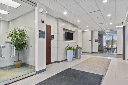 10805 Sunset Office Drive - Saint Louis