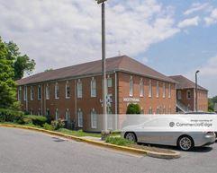 Laurel Pines Professional Building - Laurel