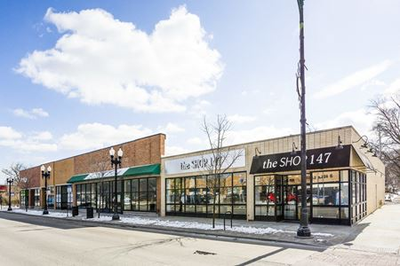 Multi-Tenant Retail Building with Parking Lot at 95th/Western in Chicago - Chicago
