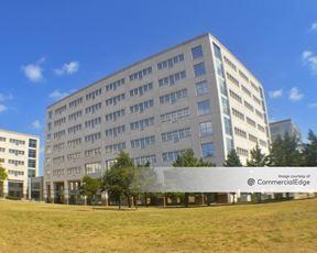 Broadmoor Austin - Building 6