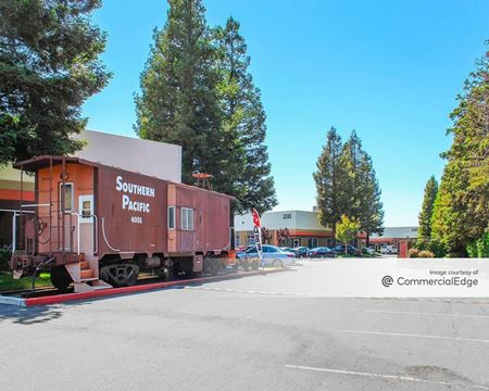 Redwood Junction - Redwood City